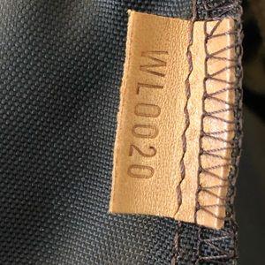 Louis Vuitton Bags - Louis Vuitton Luggage Garment Bag